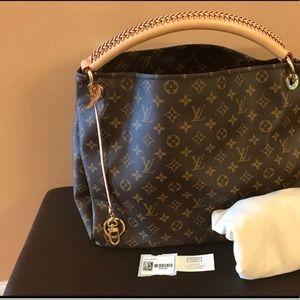 Handbags - Brand new Louis Vuitton artsy mm